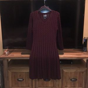 Adorable cable knit burgundy dress💕